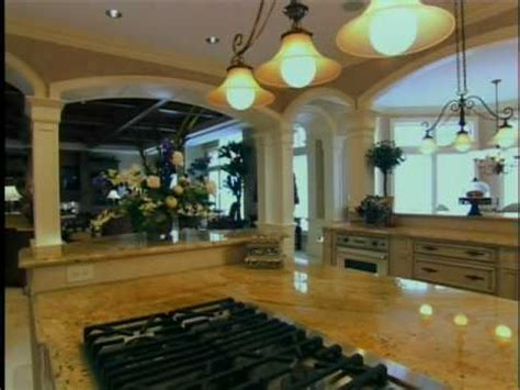 hgtv s top 10 eat in kitchens hgtv colonial craft kitchens inc featured on hgtv s top 10