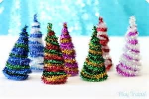 Christmas Crafts Using Pipe Cleaners - diy pipe cleaner trees christmas craft play trains