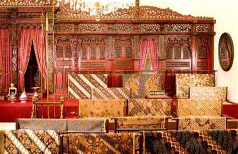 Galeri Batik Danar Hadi galeri batik kuno danarhadi and the story goes
