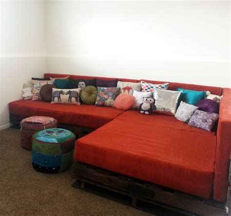 couch to 7k 1000 ideas about wood pallet couch on pinterest pallet