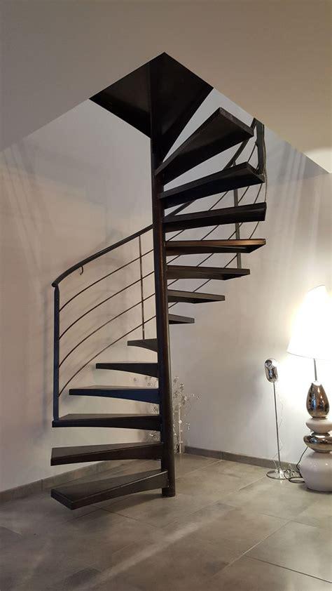 escalier metallique helicoidal