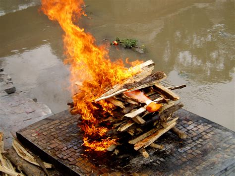 beds are burning meaning file bagamati cremation jpg wikimedia commons