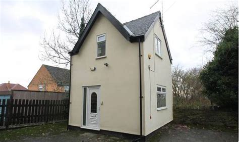 Small Home Uk The Uk S Tiniest Detached Property For Sale For 163