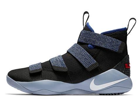 Sepatu Basket Nike Lebron Zoom Soldier 11 Cavs nike lebron soldier xi basketball boot shoe uk basketball specialist swish basketball