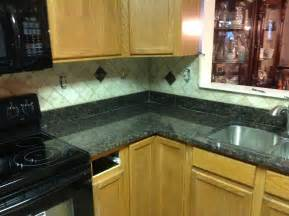 pictures of kitchen countertops and backsplashes donna s brown granite kitchen countertop w