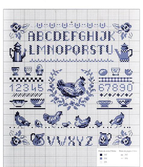 lettere ricamo punto croce schema di ricamo a punto croce gallina con alfabeto