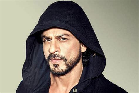 film bollywood terbaik bulan ini pilih raees atau film fan karya terbaik shah rukh khan di lima tahun