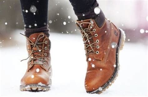 Sepatu Boots Zahra Axe Edition turn summer clothes into winter clothes cus