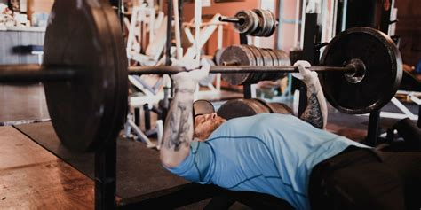 big bench press workout spoto press the guide to a bigger bench press askmen