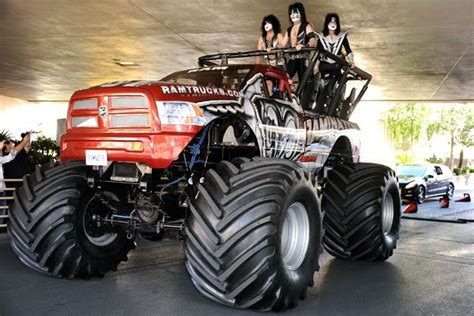 las vegas monster truck kiss ride a monster truck to the 2012 acm awards in las