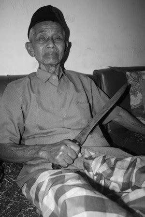 Prajurit Prajurit Di Kiri Jalan jalan sunyi para petarung tua arsip indonesia