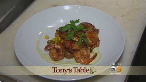 a world famous table tony s table mesa lounge in costa mesa 171 the world famous