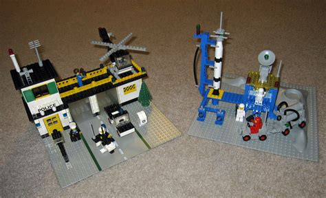 Vintage Yellow Color by File Lego Town Set 588 And Lego Space Set 483 8042568664