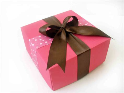gift box ayu by ayu samsudin