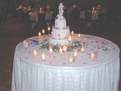 unique table decorations for weddings   Cake Table Wedding