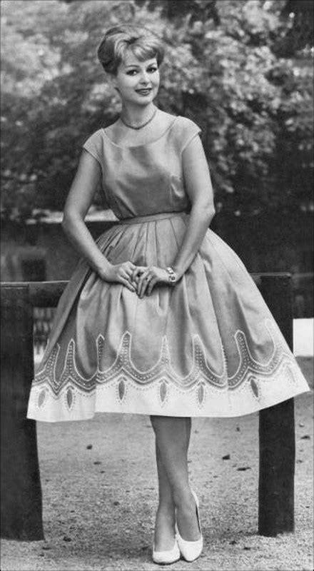 Jeune femme des années 50