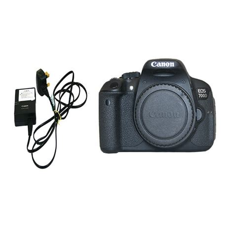 Canon Eos 700d Only used canon eos 700d only with charger 2 batteries