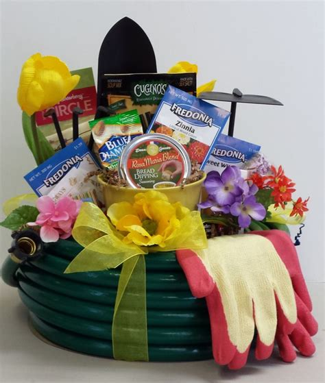 backyard gift ideas 68 best images about tricky tray basket ideas on pinterest