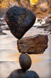 by michael grab rock balancing 挑戰地心引力 石頭也能 單腳 站立 有趣圖片分享 香港討論區 discuss com hk 香討 香港