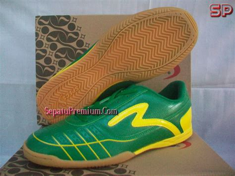 Sepatu Bola Specs Terbaru 2012 specs tabla green yellow sepatu bola sepatu futsal