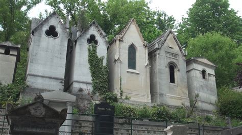 pere la chaise cemetery p 232 re lachaise cemetery in paris france youtube