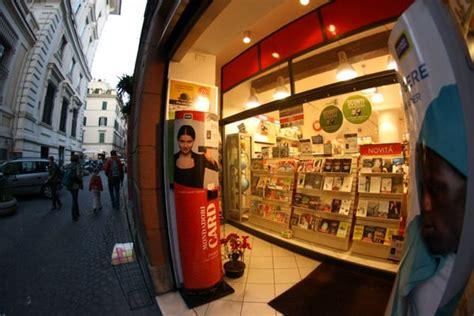 libreria mondadori roma via tuscolana libreria mondadori bookstores via pellegrino 94