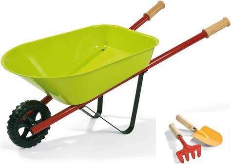 jouets jardin brouette en mtal janod brouette de jardin jouet outils de jardinage enfant