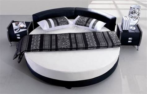Circle Beds | 27 round beds design ideas to spice up your bedroom