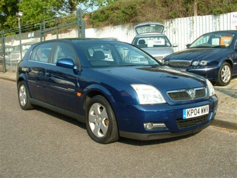 vauxhall signum 2 2 photos and comments www picautos