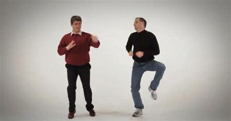 bill gates vs steve jobs epic dance battles of history mp4 jpg steve jobs vs bill gates in a rap battle err sure