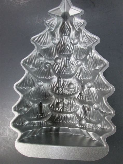 nordic ware christmas tree cake pan 17 best images about dishes i like on mixing bowls pedestal and ware