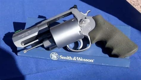 smith wesson unveils 460 caliber gun the