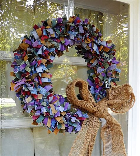 make a colorful denim wreath from recycled denim jean scraps