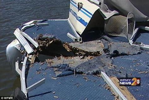boat crash kills 3 25 best boat crashes images on pinterest boats boating