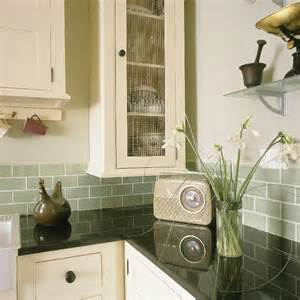 Vintage Kitchen Tile Backsplash Retro Shaker Style Kitchen Kitchen Design Decorating