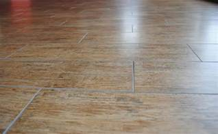 Ceramic Floor Tile That Looks Like Wood Real Wood Tiles Vs Tiles That Look Like Wood Flooring Stuffs Ideas