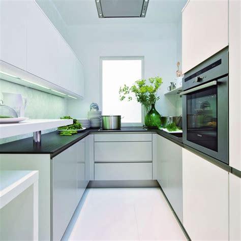 Designing Kitchens In Small Spaces Cozinha Pequena 16 Truques De Decora 231 227 O Cores Da Casa