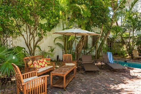 the backyard at the w key west vacation home downtown 6 bed 4 bath rental