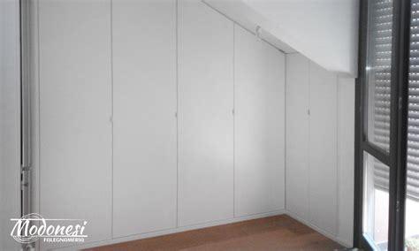 guardaroba ad angolo armadio in legno su misura per matrimoniale a