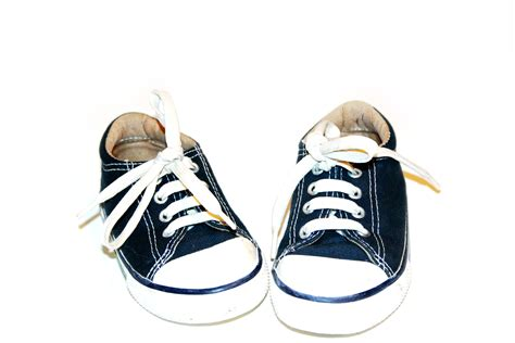 shoes kid kids sneakers velcro fasteners vs shoelaces