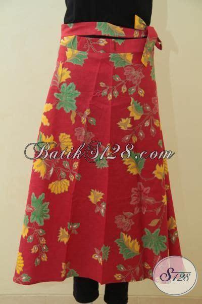 Diving Rok Merah Motif produk terbaru rok batik lilit bahan halus warna merah motif bunga proses printing baju batik
