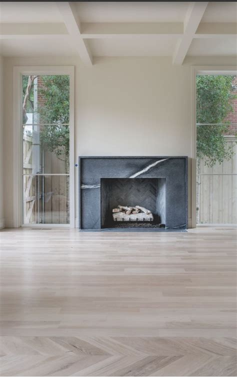 Fireplace Floor by 25 Best Marble Fireplace Surround Ideas On