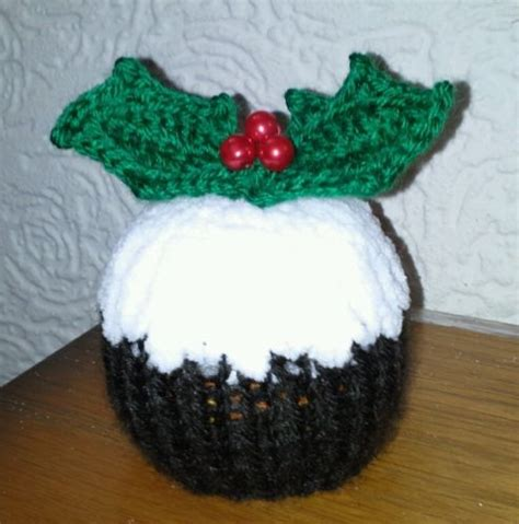 pattern for knitted christmas pudding 15 best knitting images on pinterest chocolate orange