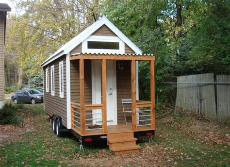 tiny house company itty bitty house company designs builds insanely livable tiny house