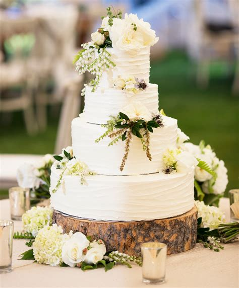 Flowers On Wedding Cakes by Wedding Cakes 20 Ways To Decorate With Fresh Flowers