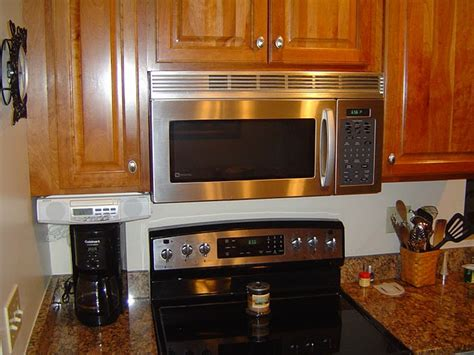 pictures of kitchens with stainless steel appliances stainless steel kitchen appliances sell homes