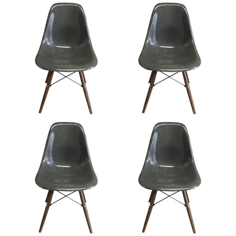 Eames Dining Chairs For Sale Four Herman Miller Eames Elephant Grey Dining Chairs For Sale At 1stdibs