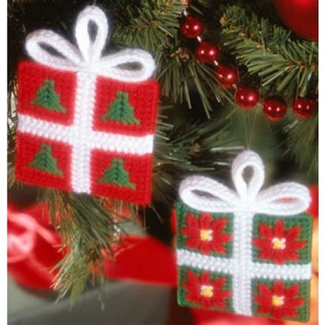 southwest christmas ornaments plastic canvas festive package ornament plastic canvas epattern leisurearts