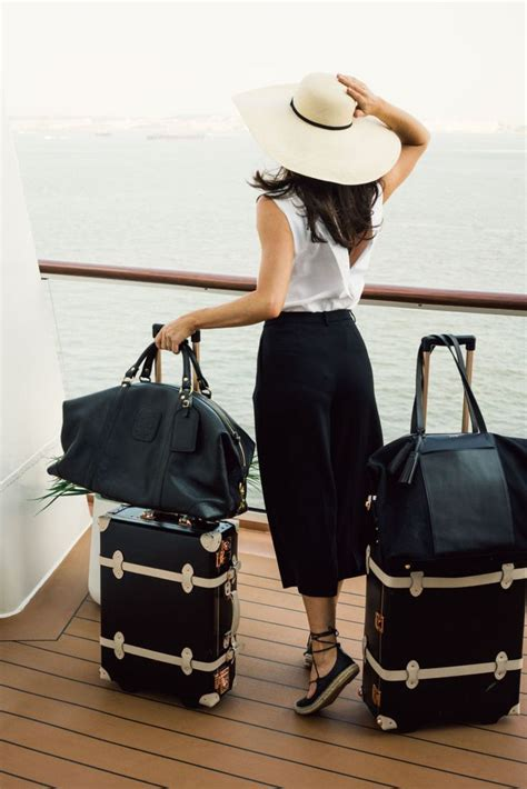 lade in stile 25 best ideas about travel fashion on summer