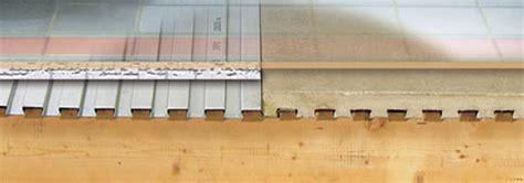 Badkamer Maken Op Houten Vloer by Watervaste Betonvloeren In De Keuken En Badkamer Met Lewis